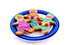 Biscuits d'hommes de pain d'épice d'une plaque Photos libres de droits