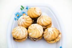 Biscuits dans la poudre de sucre Photos stock