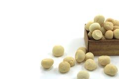 Biscuits dans le boîte-cadeau d'isolement Image stock