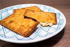 Biscuits dans le plat Images libres de droits