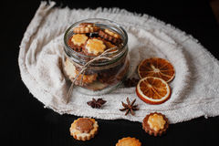 Biscuits dans le pot en verre Images libres de droits