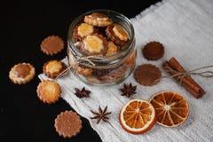 Biscuits dans le pot en verre Photographie stock libre de droits