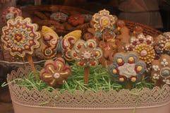 Biscuits dans un panier Photo libre de droits