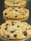 Biscuits dans une ligne photo stock
