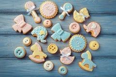 Biscuits de bébé décorés du lustre Images libres de droits