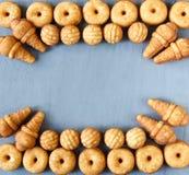 Biscuits de biscuit de différentes formes Vue supérieure photographie stock libre de droits