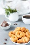 Biscuits de biscuit du plat image stock