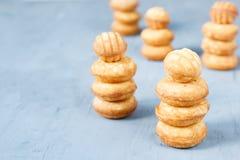 Biscuits de biscuit sous forme de tour image stock