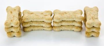 Biscuits de chien image libre de droits