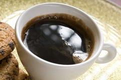 Biscuits de cuvette et de chocolat de café Photographie stock libre de droits