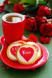 Biscuits de fête avec des coeurs Images stock