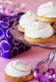 Biscuits de fête avec des guimauves Photos libres de droits