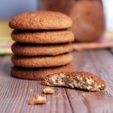 Biscuits de farine d'avoine frais Photo stock