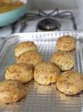 Biscuits de fromage cuits frais photo libre de droits