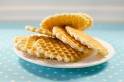 Biscuits de gaufrette d'un plat Image stock
