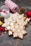 Biscuits de gingembre de Noël images libres de droits