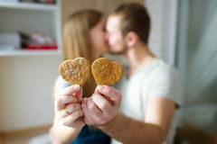 Biscuits de gingembre - symbole d'amour Photo stock