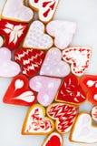 Biscuits de jour du ` s de Valentine Biscuits en forme de coeur pour le jour du ` s de valentine Biscuits en forme de coeur rouge Image stock