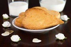 Biscuits de la plaque blanche Photographie stock libre de droits