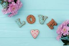Biscuits de lettre pour Valentine Day Image stock