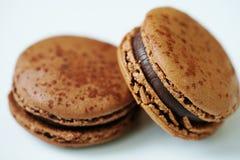 Biscuits de macaron de chocolat Image stock