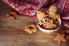 Biscuits de Noël dans la cuvette Images stock