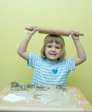 Biscuits de Noël de traitement au four photos libres de droits