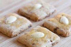 Biscuits de Noël formés par place Photo stock