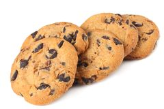 Biscuits de puce de chocolat d'isolement sur le fond blanc biscuits doux Pâtisserie faite maison images stock