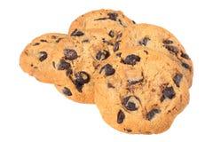 Biscuits de puce de chocolat d'isolement sur le fond blanc biscuits doux Pâtisserie faite maison photo libre de droits
