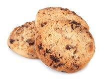 Biscuits de puce de chocolat sur un fond blanc Images libres de droits