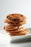 Biscuits de puces de chocolat photos libres de droits