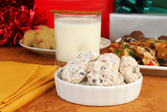 Biscuits de réveillon de Noël images stock