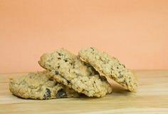 Biscuits de raisin sec faits maison de farine d'avoine image libre de droits