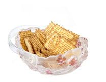 Biscuits de sucre croustillants dans un panier en verre Photo stock