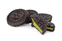 Biscuits de thé vert de Matcha sur le fond blanc Photo libre de droits