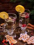 Biscuits de tranche et de plat de citron de décoration de tasse de Noël Image stock