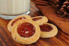 Biscuits de vacances remplis par fruit Photos stock