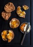 Biscuits doux avec le bourrage image libre de droits