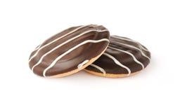 Biscuits doux avec le bourrage et le chocolat de cerise image libre de droits