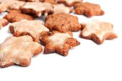 Biscuits en forme d'étoile de Noël Images stock
