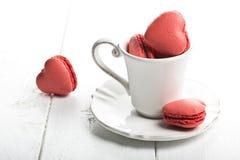 Biscuits en forme de coeur délicieux faits main image libre de droits