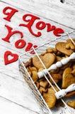 Biscuits en forme de coeur de jour de valentines Image stock