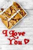 Biscuits en forme de coeur de jour de valentines Photos libres de droits