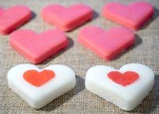 Biscuits en forme de coeur de jour de valentines Photos stock