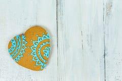 Biscuits en forme de coeur pour le Saint Valentin sur la table en bois Vue supérieure, l'espace de copie Images stock