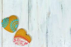 Biscuits en forme de coeur pour le Saint Valentin sur la table en bois Vue supérieure, l'espace de copie Photographie stock