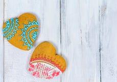 Biscuits en forme de coeur pour le Saint Valentin sur la table en bois Vue supérieure, l'espace de copie Photo stock