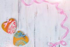 Biscuits en forme de coeur pour le Saint Valentin sur la table en bois Vue supérieure, l'espace de copie Photo libre de droits