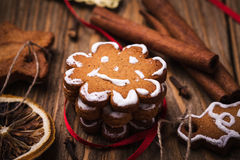 Biscuits et épices de Noël Images libres de droits